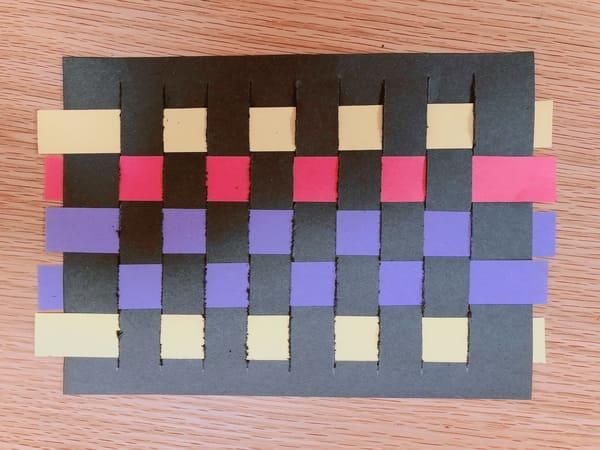 画用紙の編み方完成
